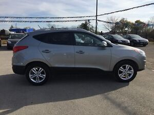 2011 HYUNDAI TUCSON GLS * POWER GROUP * LEATHER/CLOTH * BLUETOOT London Ontario image 7