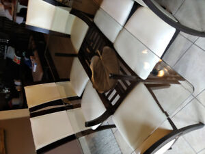 Dinning room glass table