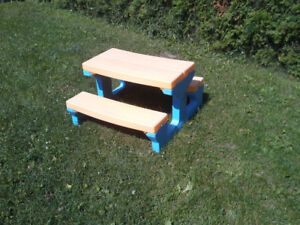 Table à picnic little tike valeur neuf 90 $