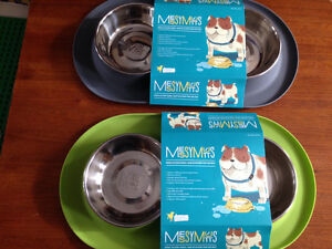 New! Messy Mutts double silicone feeder Green Reduced!! Kitchener / Waterloo Kitchener Area image 1