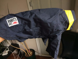BRAND NEW ROOTS Small Dog Raincoat