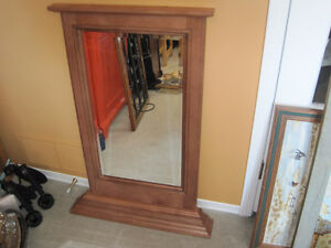 Vintage Mirror With Etching / Mirror for Dresser Kitchener / Waterloo Kitchener Area image 8