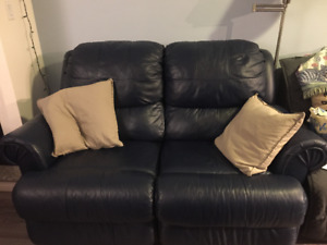 2 person couch (loveseat) for sale