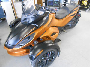 2011 Can Am Spyder RSS with very low miles !