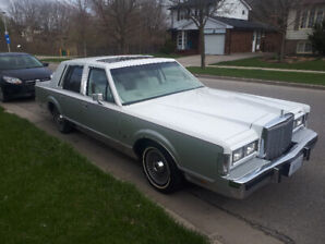 1985 Lincoln Town Car Designers Series. Cartier Formal Model S