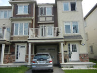 Beautiful 3-Bedroom Townhouse for Sublet in Barrhaven