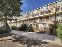 1 bedroom flat in Woolstaplers Way, Surrey Quays SE16