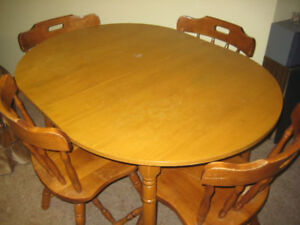 Solid Maple Kitchen Table with 4 Matching Chairs
