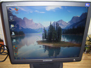 17 inch Samsung lcd monitor for sale
