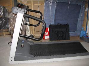 Tapis roulant Freespirit treadmill modèle 122-309201