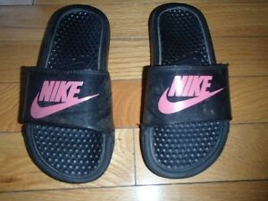 SIZE 2 YOUTH NIKE SANDALS