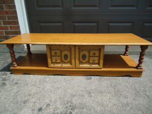 LONG COFFEE TABLE WITH SLIDING DOOR CABINET