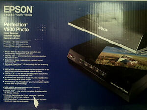 EPSON V600 Perfection Scanner *UNUSED*