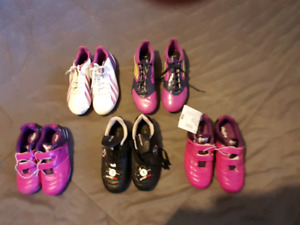 Kids/womens cleats