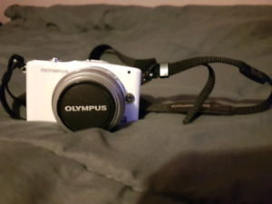 Olympus PEN Mini E-PM1 (No charger)
