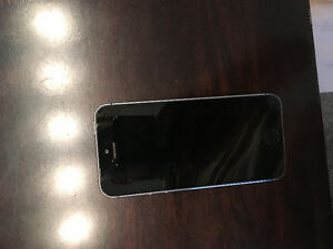 space grey iPhone 5s - price negotiable