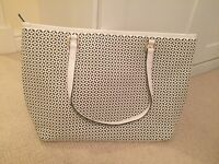White large tote bag by accessories