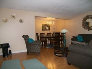 CONDITIONALLY SOLD - Beautiful End-Unit Kitchener Townhouse Kitchener / Waterloo Kitchener Area image 4