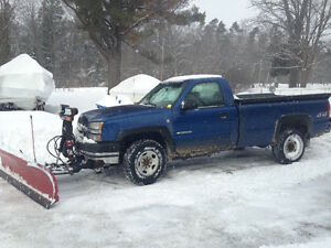 2003 Chevrolet 2500 HD Pickup Truck with snow plow