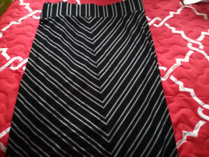 NEW WOMENS OLD NAVY MAXI SKIRT -2x