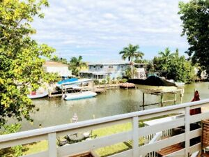Fort Myers Beach Beautiful waterfront home, only 3 KM  beach!