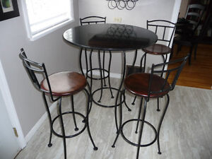 Bar Table and 4 matching Chairs