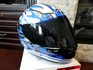 Zoan Revenge Helmet Size XS Blue Flame w/4 Visors Incl.Brand New Kitchener / Waterloo Kitchener Area image 7