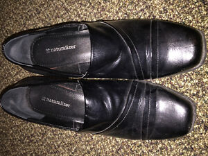 8.5 wide brand new naturalized shoes.