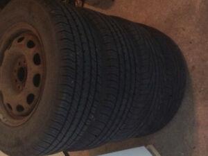 4 pneus d'été sur rime