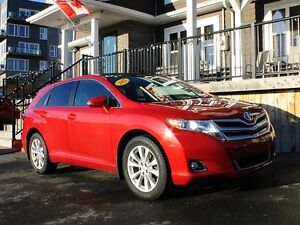 2013 Toyota Venza / 2.7L I4 / All Wheel Drive / 5 psngr / Auto