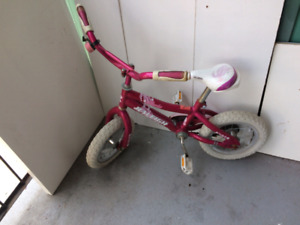 """14"""" girl's bicycle very good condition for sale 15$"""