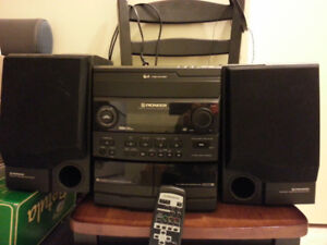 * Mint Condition Pioneer 3 Disc changer Stereo mini Hi Fi System
