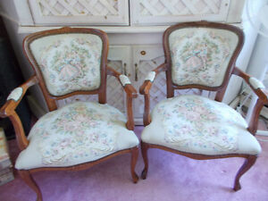 Set of 2 Victorian style chairs West Island Greater Montréal image 1