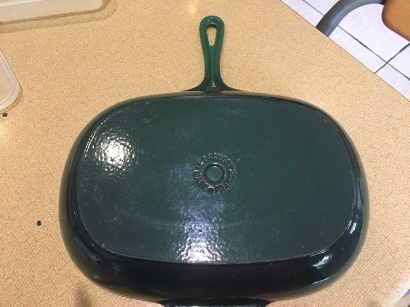 Le creuset cast iron grill pan