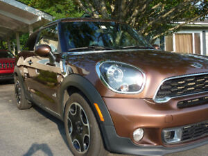 2013 Mini Paceman all-wheel drive, loaded, low KMs!