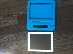 4th generation iPad 32 gig with case