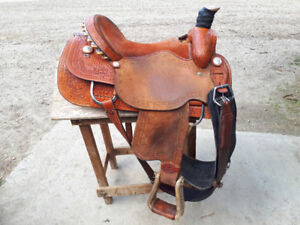 Frontier 10x saddle for sale