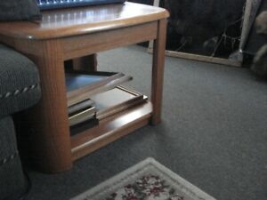 END TABLE - SOLID OAK