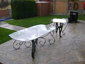 Good quality matching glass coffee and end table