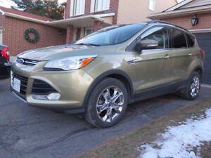 *QUICK SALE* 2013 Ford Escape SEL, AWD, 2.0L Ecoboost turbo, Nav