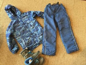 Size M (10-12) Boys Snowsuit and size 2 Cougar Boots Windsor Region Ontario image 2