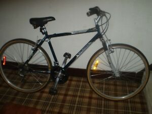 CCM SAN REMO HYBRID BIKE 21 SPEED ( Great Condition )