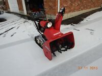 Honda HS828 Snowblower