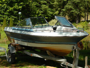 1985 14.5 ft  Cadorette  Bowrider Boat with OMC Remote Control