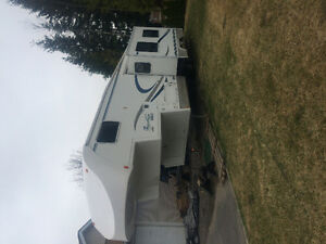 2004 Travelaire fifth wheel bunk house