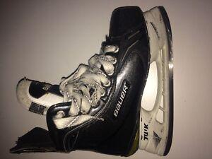 Bauer Supreme One100 Junior Skates Size 3D EUC