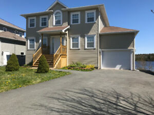 July 1st - LAKEFRONT BEAUTIFUL EXECUTIVE HOME - Lakeside, NS