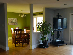Very modern 3 bedroom upper level of house for rent in Sugarbush