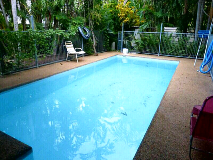 FORESHORE NIGHTCLIFF. 3BR AIRCON AND FURNISHED.  POOL.