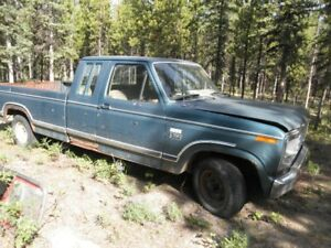 Ford F150 truck - good for parts